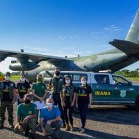 Em um C-130 Hércules, operado pelo Esquadrão Gordo, seis macacos e uma harpia foram levados para os cuidados do Instituto Onça Pintada em Goiás