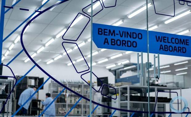 Com a expansão da OMNISYS, também será inaugurado um novo Centro de Serviços para Aviônicos no Brasil para atender companhias aéreas nacionais e internacionais da América Latina