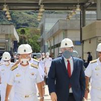 Visita do Embaixador Todd Chapman ao complexo Naval de Itaguai, em Agosto de 2021, junto com o então Comandante da Marinha do Brasil, Alm Esq Ilques Barbosa .