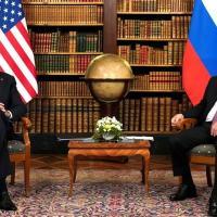 Os presidentes norte-americano, Joe Biden, e russo, Vladimir Putin, se reúnem pela primeira vez desde que Biden assumiu o cargo.