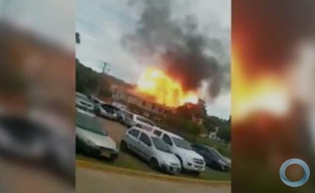 VÍDEO: Carro-bomba explode em batalhão do exército na Colômbia