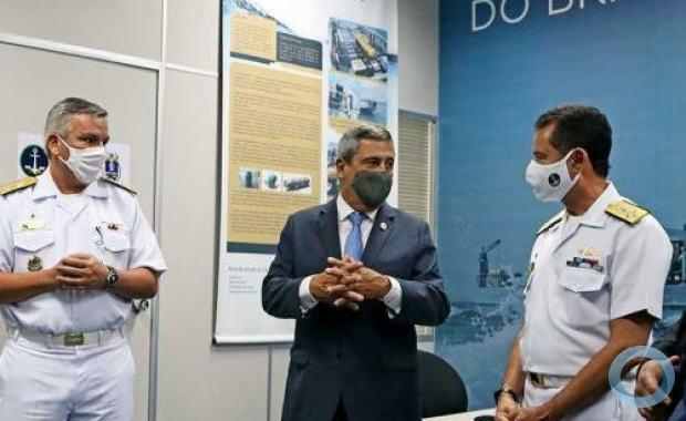Almirante de Esquadra Garnier e Vice-Almirante Humberto apresentam ao  Ministro da Defesa o Escritório de Ligação da Marinha no Senai-CIMATEC