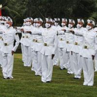 Soldados Fuzileiros Navais realizam o Juramento à Bandeira Nacional