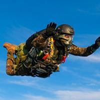 Companhia paraquedista realiza exercício de salto livre operacional com participação da Marinha - Crédito: Cap Sgnaolin