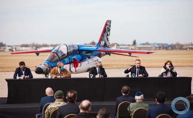FAdeA entrega primeiro Pampa III Bloco II à Força Aérea Argentina