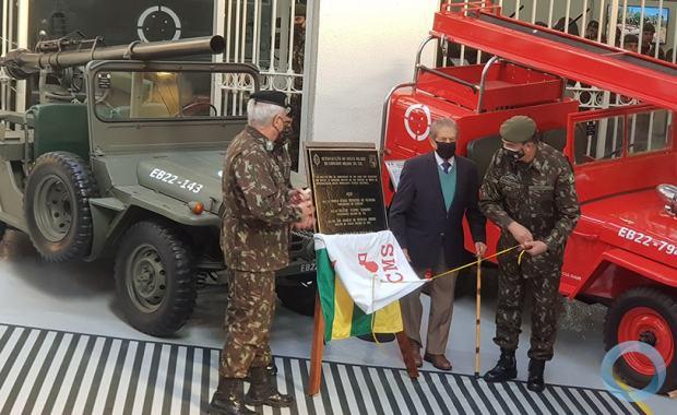 Gen Ex Paulo Sérgio e Gen Ex Stumpf junto com os Coronéis  Estigarríbia e Ílio descerraram a placa da inauguração do MMCMS