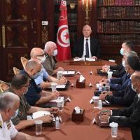 O presidente da Tunísia, Kais Saied, anunciou na noite deste domingo, 25JUL2021, a suspensão das atividades do parlamento.