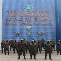 Militares brasileiros que conduzirão treinamento de tropas que atuam na República Democrática do Congo (FARDC).