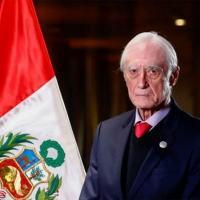 O novo chanceler do Peru Héctor Bejar