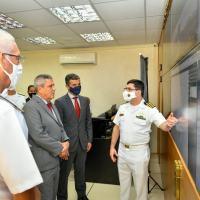 Acompanhado do Comandante da Marinha, Almirante de Esquadra Almir Garnier Santos, o titular da Pasta assistiu à apresentação sobre o Sistema de Gerenciamento da Amazônia Azul (SisGAAz)