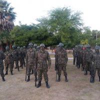 Atiradores matriculados no corrente ano no TG 07-010 participaram de um exercício prático de camuflagem no terreno - Crédito: S Ten Masteloto