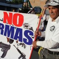 Foto de arquivo de junho de 2018 mostra um homem durante protesto contra a violência em Ciudad Juarez, México