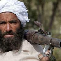 Sob o Taleban, os homens têm que deixar crescer a barba e as mulheres têm que usar uma burca que cubra tudo