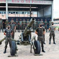 Foram realizados procedimentos de manutenção e vistoria nos materiais de emprego militar que irão ser empregados nas atividades da operação.