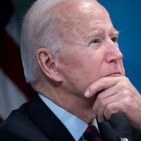 O presidente dos EUA, Joe Biden, pressionou sem sucesso pelo fim da guerra do Afeganistão enquanto era o vice-presidente de Barack Obama (AFP/Brendan Smialowski)