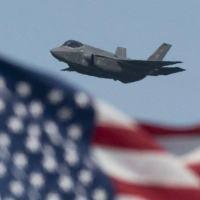 Futuros pilotos de aeronaves militares como os F-35s são treinados na Base Aérea de Laughlin