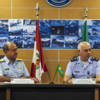 O Chefe do Estado-Maior da Aeronáutica (EMAER), Tenente-Brigadeiro do Ar Marcelo Kanitz Damasceno, o Chefe do Estado-Maior da Força Aérea Peruana, Tenente-General Alfonso Javier Artadi Saletti