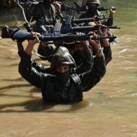 Aprendizes do Curso de Formação de Soldados Fuzileiros Navais em exercício