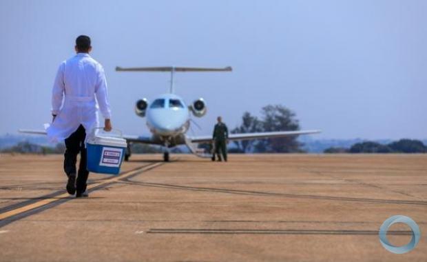 A FAB mantém permanentemente disponível uma aeronave para essa finalidade, conforme define o Decreto nº 9175, de 18 de outubro de 2017.