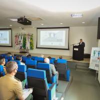 Nesta terça-feira (28), ao presidir a abertura do evento, o titular da Pasta da Defesa, Walter Souza Braga Netto, destacou a relevância dos debates sobre a atuação da assistência social das Forças Armadas frente à pandemia.