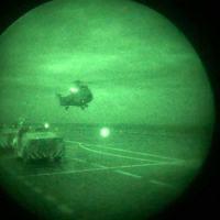 EsqdHU-2 em pouso noturno com OVN