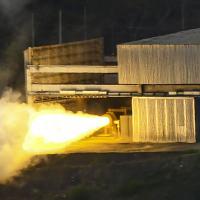 Motor S50  desenvolvendo máximo de empuxo no  ensaio de queima do propelente  no instituto de Aeronáutica e Espaço (IAE) . Foto Lucas Lacaz Ruiz exclusivo para DefesaNet