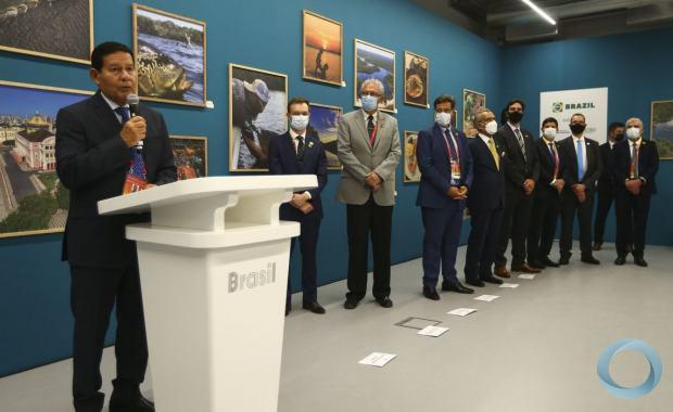 Em Dubai, o vice-presidente brasileiro, Hamilton Mourão, destacou que quer não apenas vender material para os árabes como também comprar deles.