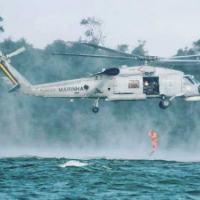 Aluno lançado ao mar por aeronave do EsqdHS-1 durante exercício