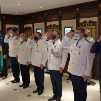 Na sexta-feira (22), foi realizada uma solenidade em comemoração ao Dia do Aviador e da FAB no salão principal da Comissão Aeronáutica Brasileira em Washington, DC, nos EUA.
