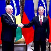 O vice-presidente Michel Temer ao lado do primeiro-ministro da Rússia, Dmitri Medvedev na VII Reunião da Comissão de Alto Nível Brasil-Rússia, 2015 Moscou. Foto - ASCOM VP