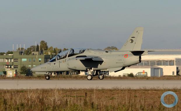 A Força Aérea Italiana solicitou 45 aeronaves M-345, modelo que substituirá o 137 MB-339, em serviço desde 1982